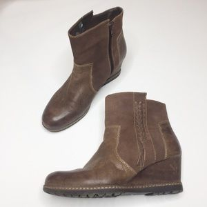 Earth shoes wedge heel booties Hilltopper 11